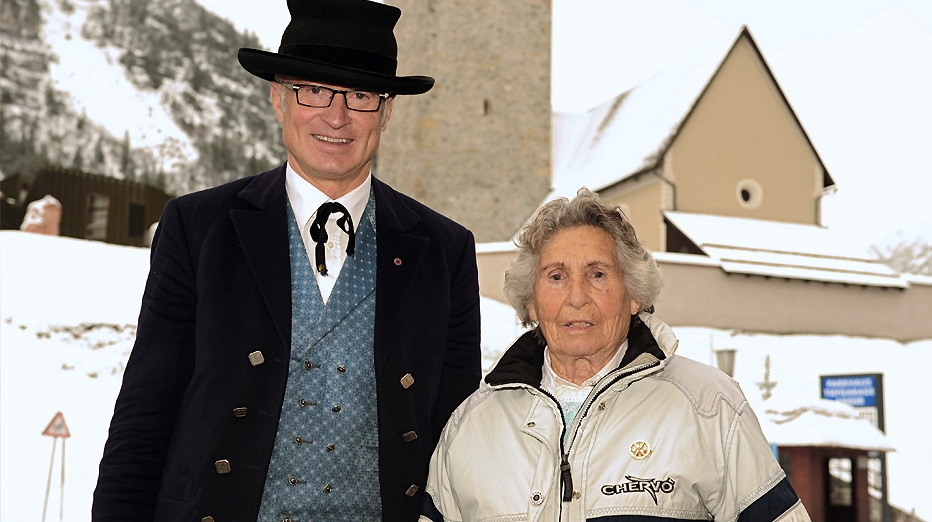 Bürgermeister Muxel Ludwig mit Trude Jochum-Beiser