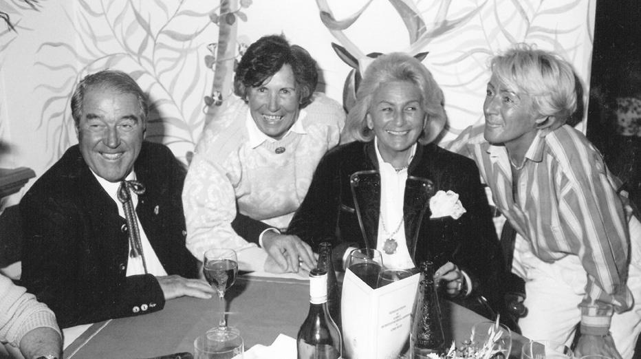 Gemütlicher Plausch mit Senior Chef Scardarasy und Resi Hammererim Zürserhof